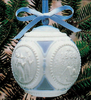 1988 Christmas Ball Lladro Figurine