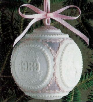1989 Christmas Ball (l.e. Lladro Figurine