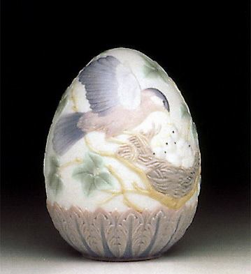 1993 Limited Edition Egg Lladro Figurine