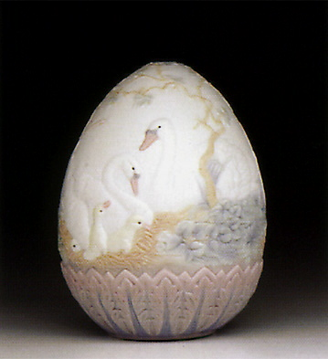 1994 Limited Edition Egg Lladro Figurine