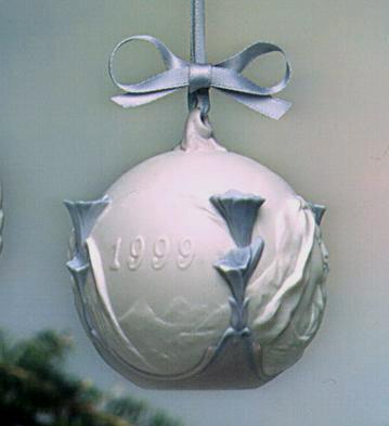 1999 Christmas Ball Lladro Figurine