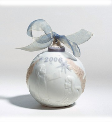 2006 Christmas Ball (glazed) Lladro Figurine