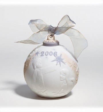 2006 Christmas Ball (matte) Lladro Figurine