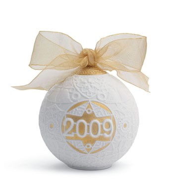 2009 Christmas Ball (re-deco) Lladro Figurine