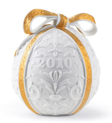 2010 Christmas Ball (re-deco) Lladro Figurine