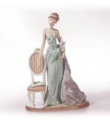 A Lady Of Taste Lladro Figurine