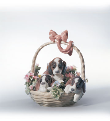 A Litter Of Love Lladro Figurine