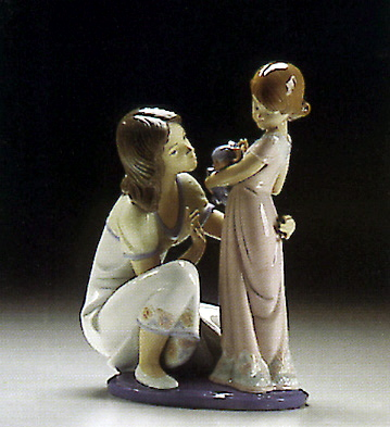 A Mothers Touch Lladro Figurine