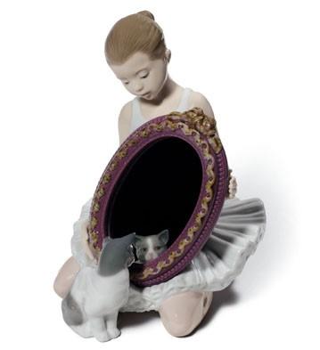 A Purr-fect Reflection Lladro Figurine