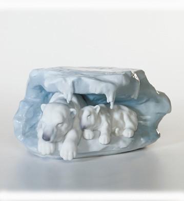 A Snowy Sanctuary Lladro Figurine