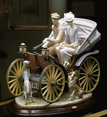 A Sunday Drive (l.e.) (b) Lladro Figurine
