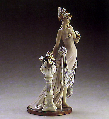 A Touch Of Class Lladro Figurine