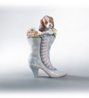 A Well Heeled Puppy Lladro Figurine