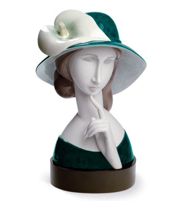 A Woman With A Hat And Calla Lilly Lladro Figurine