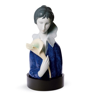 A Woman With Blue Eyes And Calla Lilly Lladro Figurine