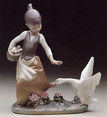 Agressive Goose Lladro Figurine