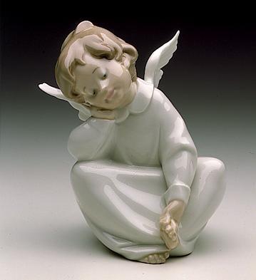 Angel Dreaming Lladro Figurine