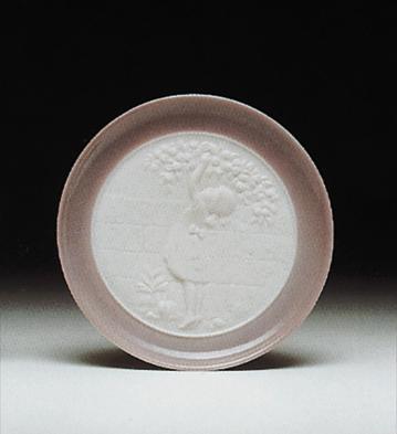 Apple Picking(plate) Lladro Figurine