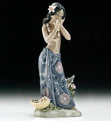 Aroma Of The Islands Lladro Figurine