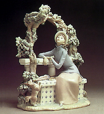 Attentive Lady Lladro Figurine