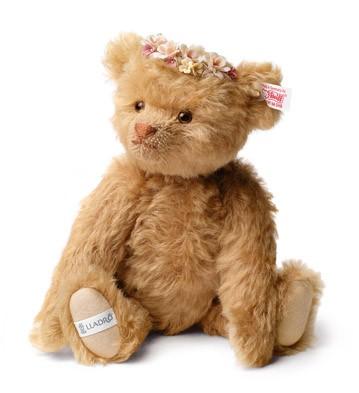 Autumn Teddy Bear Lladro Figurine