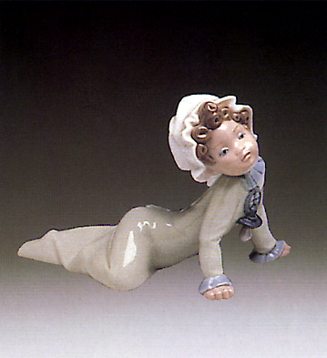 Baby Sitting On The Floor Lladro Figurine