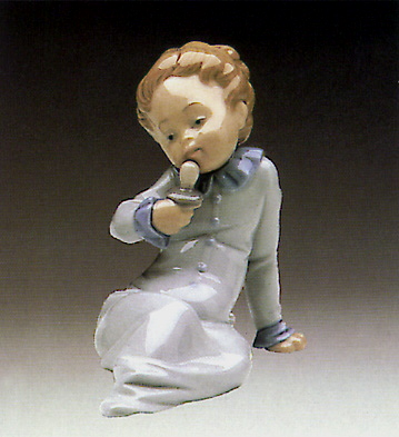 Baby W-dummy In The Hand Lladro Figurine