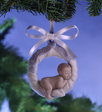 Baby's First Christmas 2000 Lladro Figurine