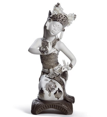 Bali Dancer Kneeling (re-deco) Lladro Figurine