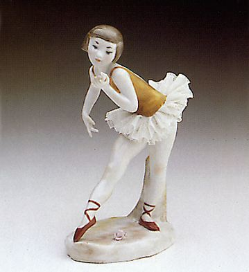Ballerina With Rose Lladro Figurine