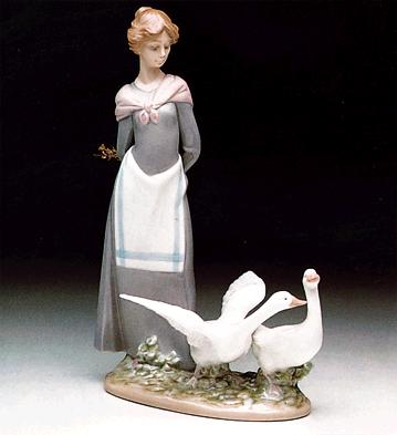 Barnyard Scene Lladro Figurine
