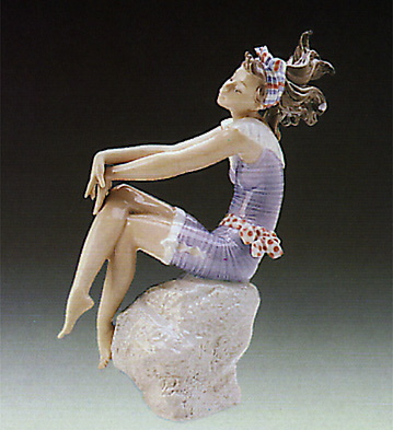 Bathing Beauty Lladro Figurine