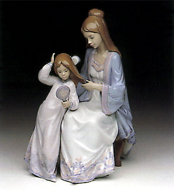 Beautiful Dresses Lladro Figurine