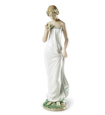 Beautiful Gloria Lladro Figurine