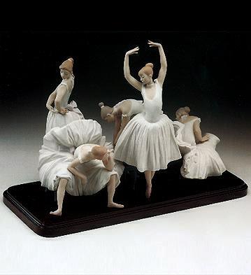 Before The Dance (b) Lladro Figurine