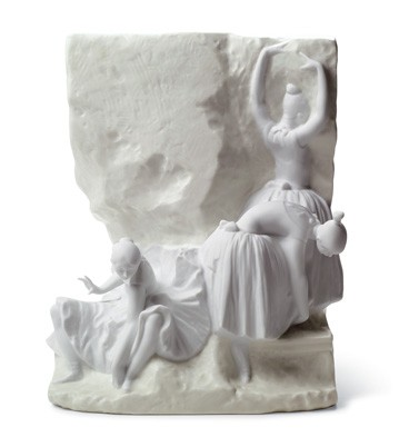 Before The Dance Mural (grey) Lladro Figurine