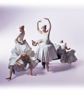 Before The Dance Lladro Figurine