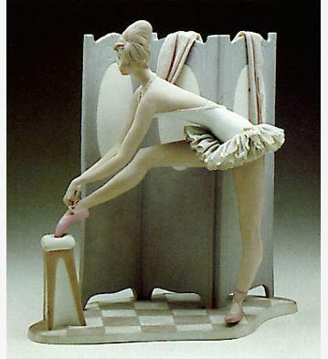 Behind The Screen Lladro Figurine