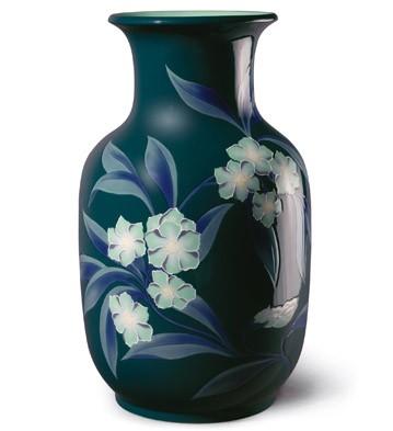 Bell Flower Vase (green) Lladro Figurine