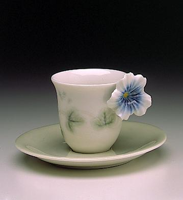 Bellflower Cup With Sauce Lladro Figurine