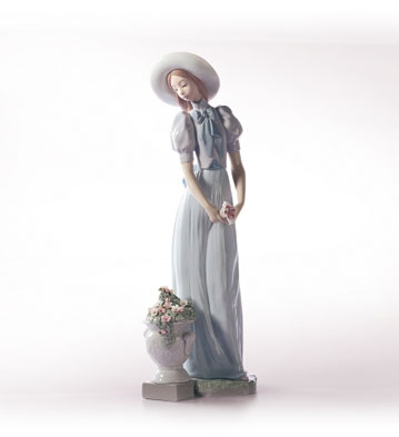 Blossom Of The Heart Lladro Figurine