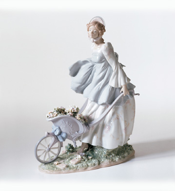 Breezes Of The Heart Lladro Figurine