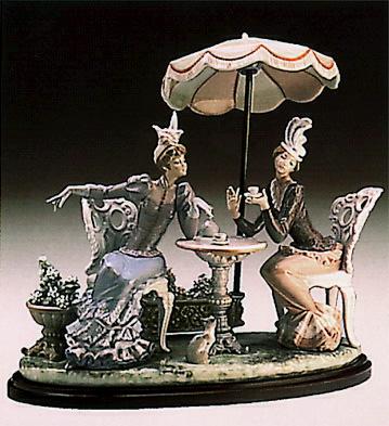 Cafe De Paris (b) Lladro Figurine