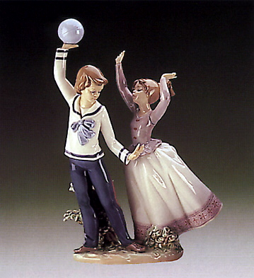 Children At Play Lladro Figurine