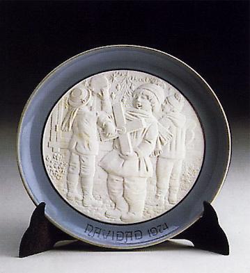 Christmas Plate 1.974 Lladro Figurine