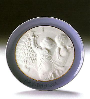 Christmas Plate 1.975 Lladro Figurine