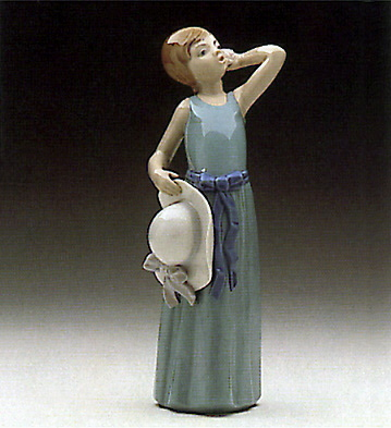 Coiffure-girl With Straw Lladro Figurine
