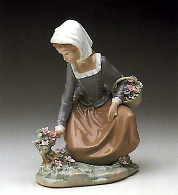 Country Flowers Lladro Figurine