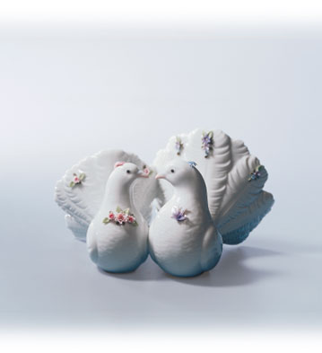 Couple Of Doves With Flowers Lladro Figurine