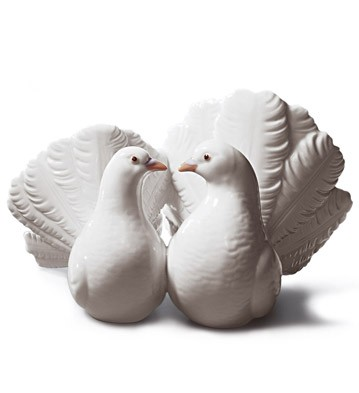 Couple Of Doves Lladro Figurine